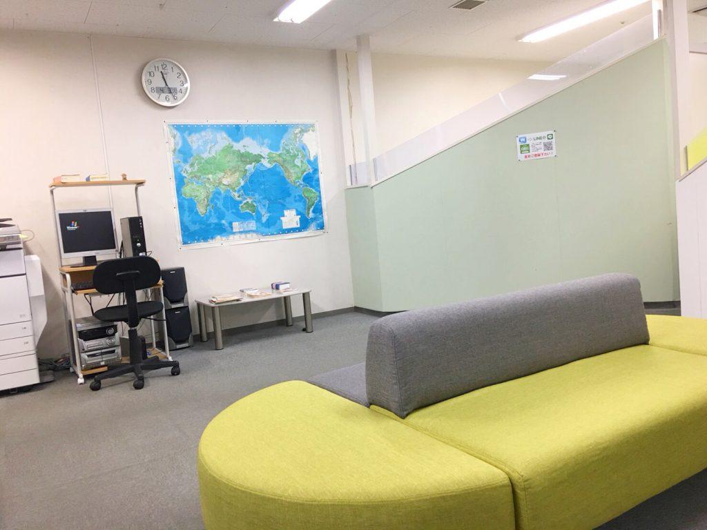 OEC明石校校舎内のリラックススペース