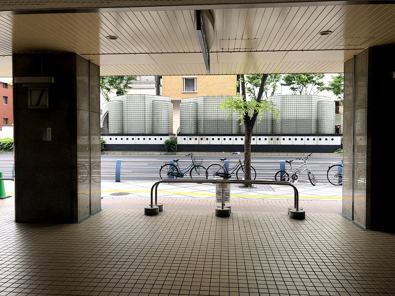 大阪駅前第2ビル出口